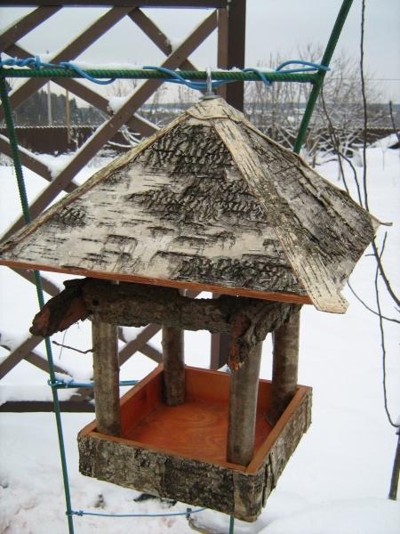 Как сделать кормушку для птиц большую 887