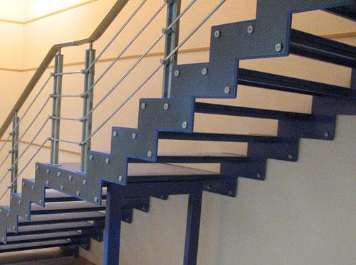 Сделать лестницу своими руками на второй фото 318