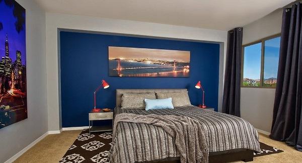 синие обои фото в спальне