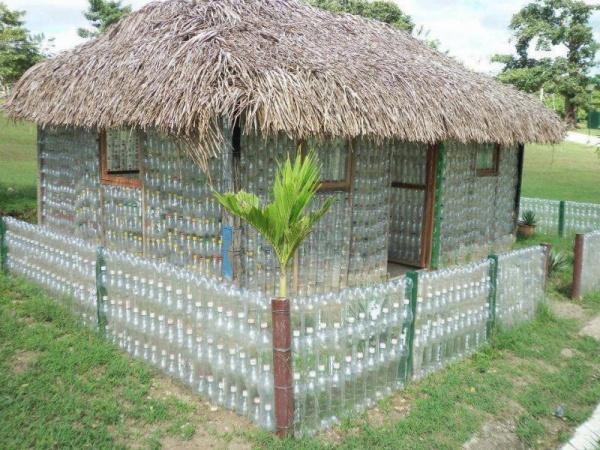 Беседка из пластиковых бутылок своими руками фото
