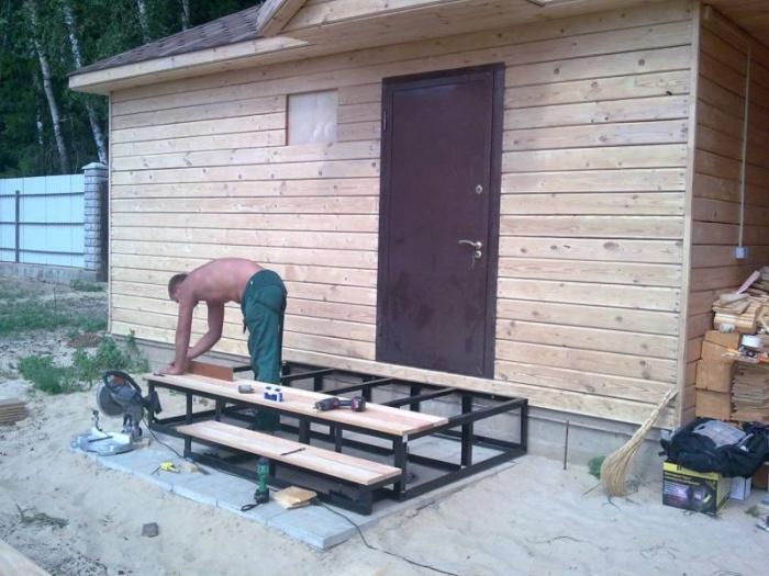 Как сделать временное крыльцо на даче
