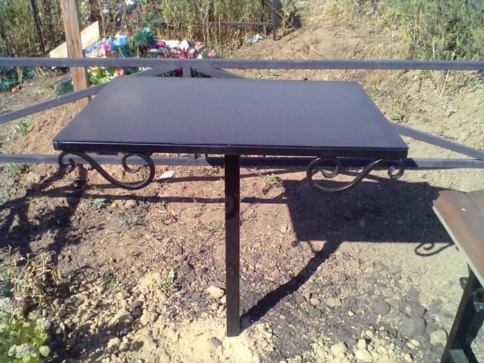 Железный столик на кладбище своими руками 50