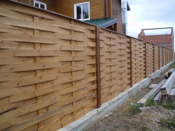 Забор с доски своими руками фото