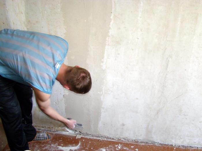 Перед поклейкой обоев чем обработать стены