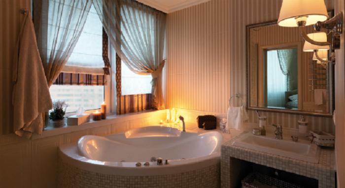 Дизайн ванны 4 квм с окном