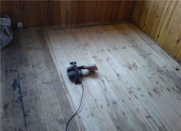 Чем покрасить или покрыть деревянный пол на веранде