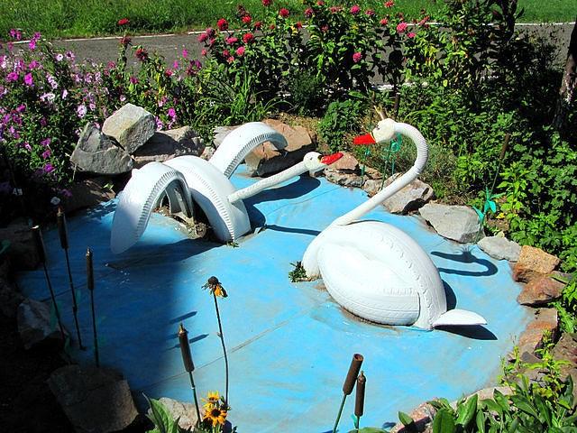 Огород своими руками лебеди как делать