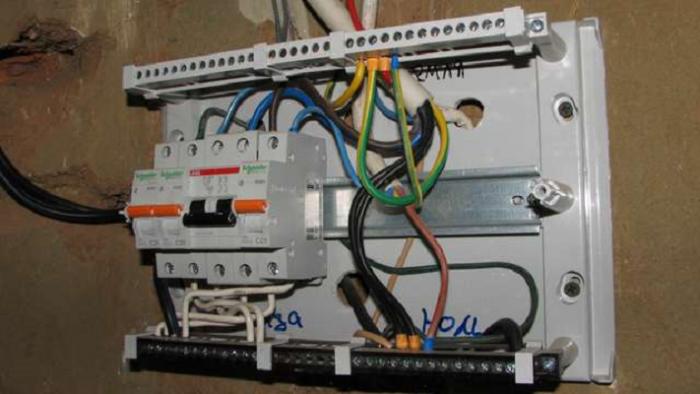 Подключение электричества от соседа рефлексия на тему откуда в дом приходит электричество