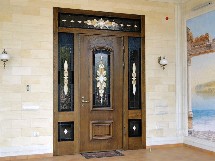 Входные деревянные двери для частного дома утепленные