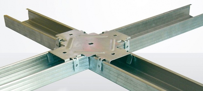 Монтаж ПВХ панелей на потолок и плинтуса: видео-инструкция 80