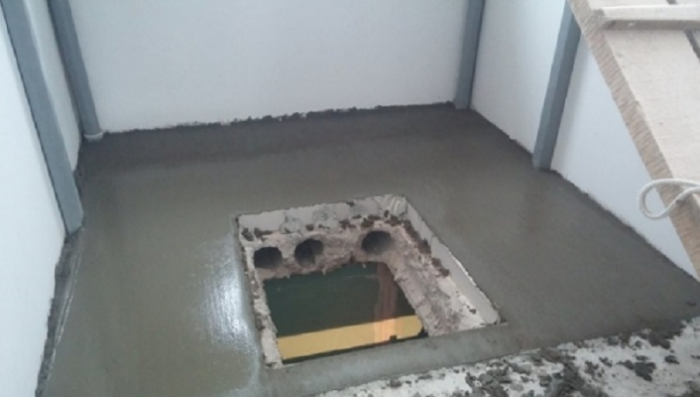 Напольный люк в подвал