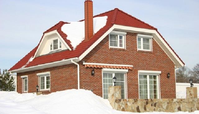 фото четырехскатная полувальмовая крыша
