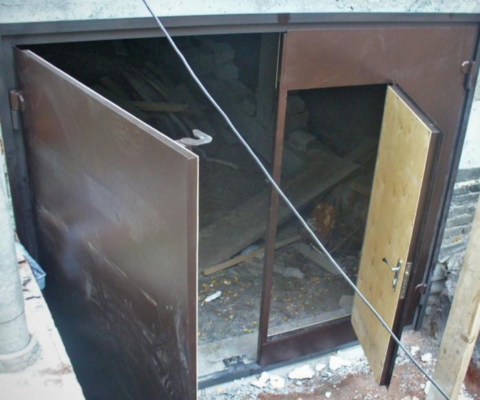 Гаражные распашные ворота своими руками видео фото 967