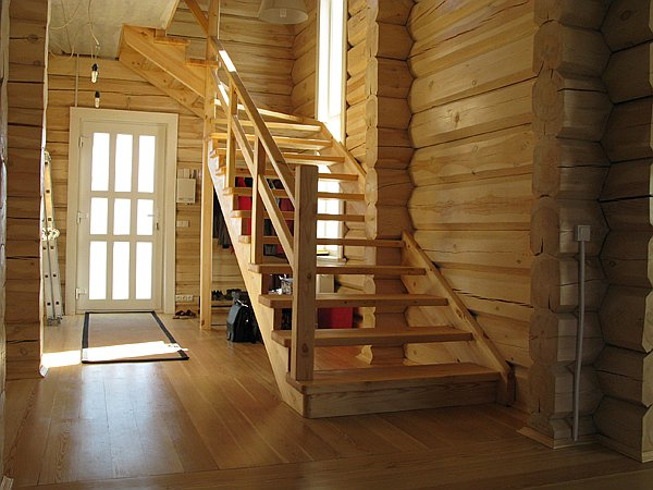 Лестница на косоурах на второй этаж своими руками