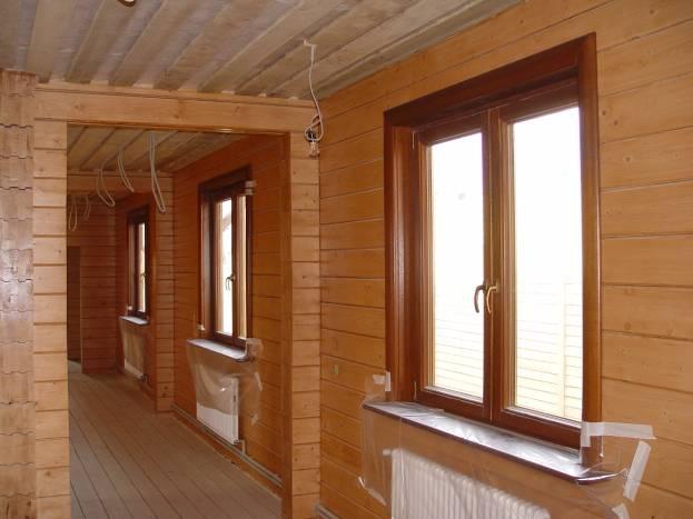Внутренняя отделка окна в деревянном доме