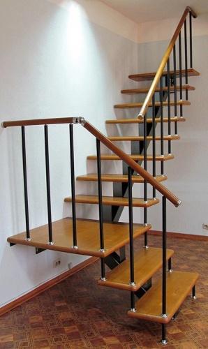 Металлическая лестница на второй этаж своими руками 216