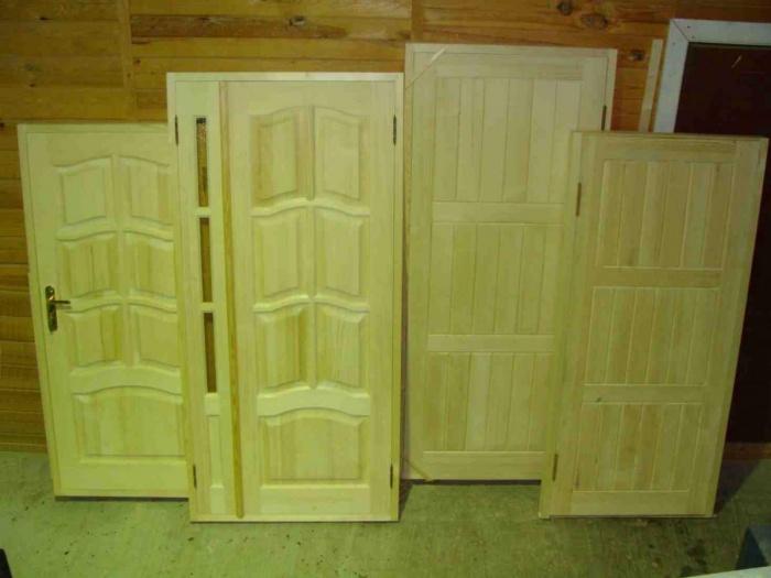 Филенчатые деревянные двери