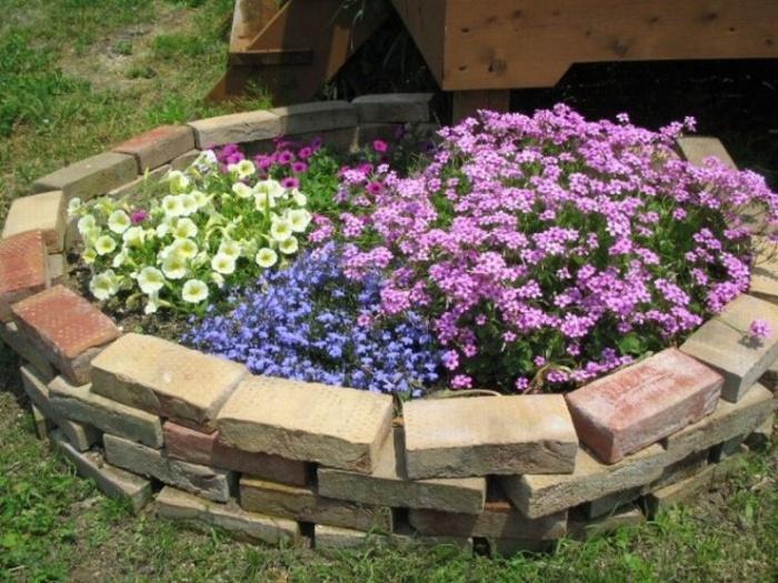 Оформление цветников на даче своими руками фото из подручных средств фото 479