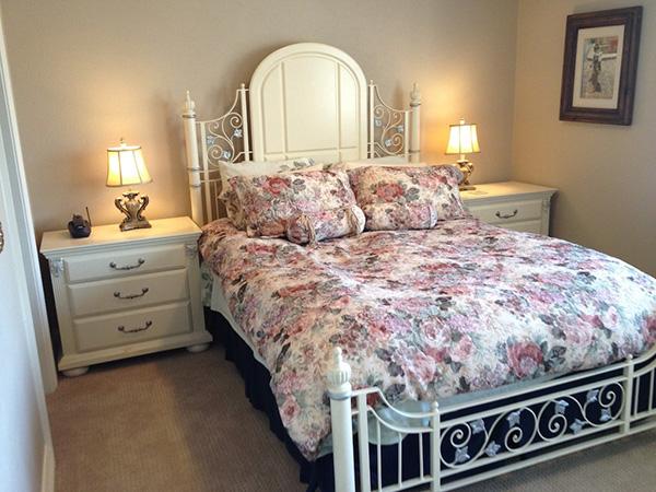 Chic bedroom designs