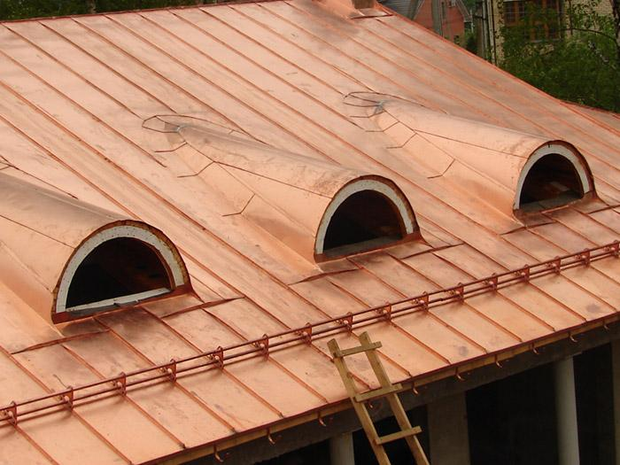Чем покрасить крышу дома из железа