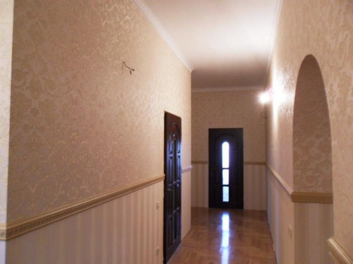 комбинированные обои в коридор фото в квартире
