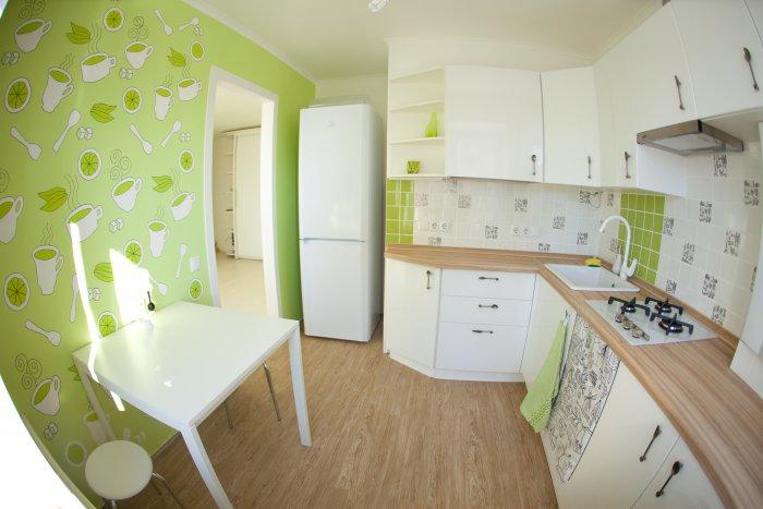Дизайн с обоями кухни