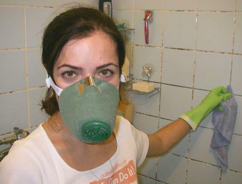 Как избавиться от запаха сигарет в ванной