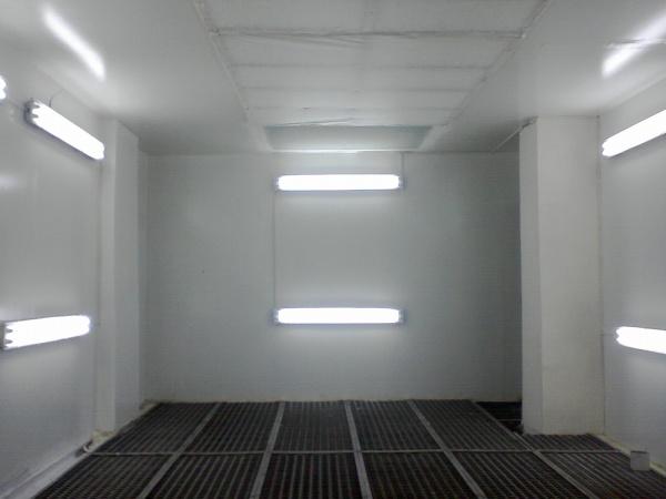 люминесцентные лампы в гараже
