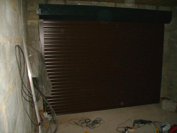 рольставни в гараже изнутри