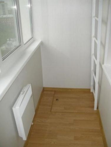 Дизайн балкона с лестницей фото